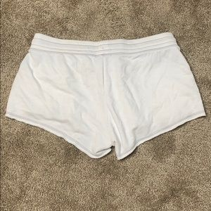 Old Navy Shorts - Old navy white shorts with pockets